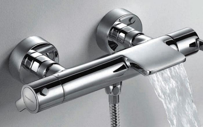 Grifo de bañera de cascada